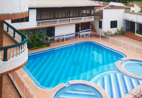 fotos-del-hotel-virrey-piscina2